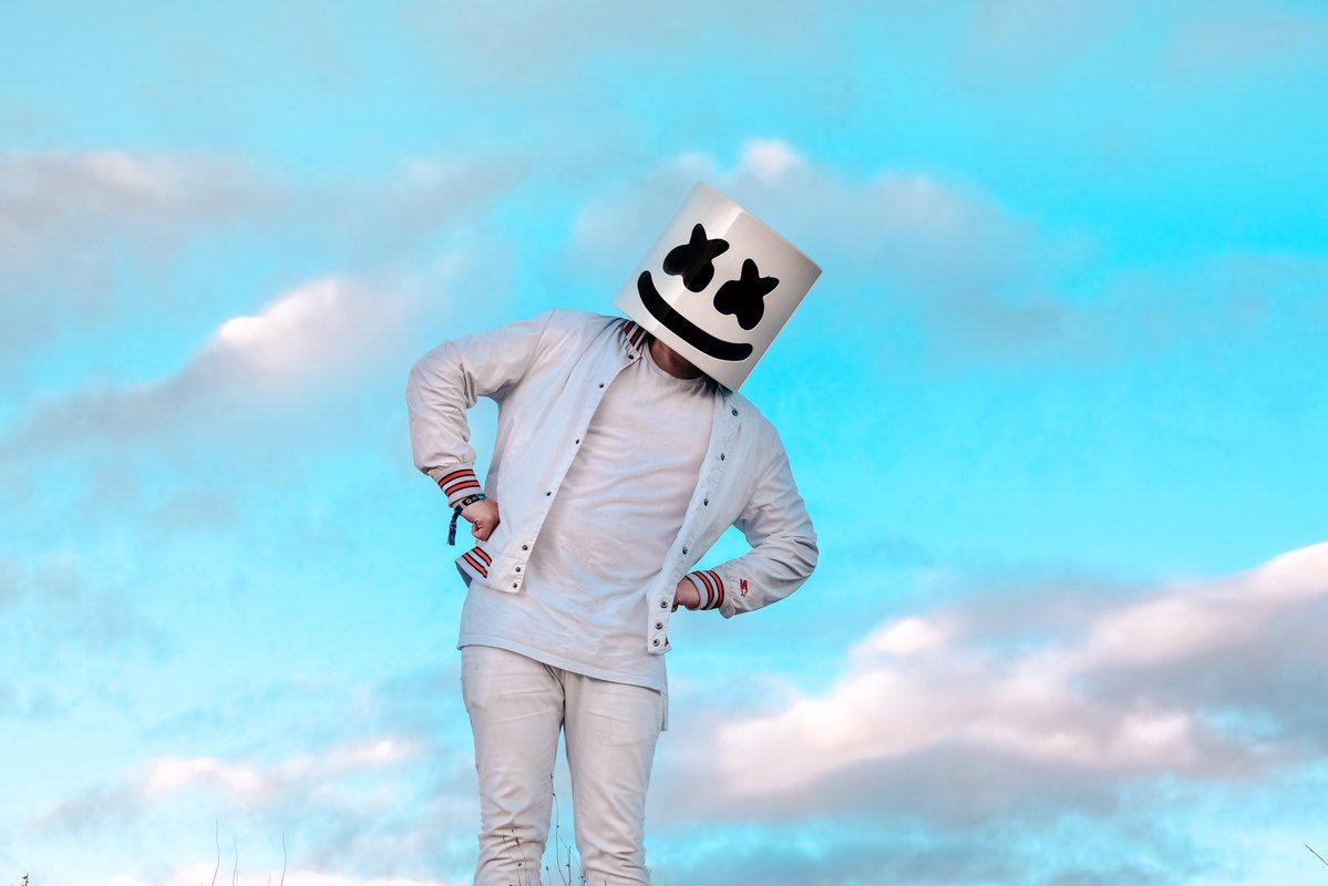 Marshmello(マシュメロ)!白いの仮面をかぶったDJとは?人気曲やライブ映像