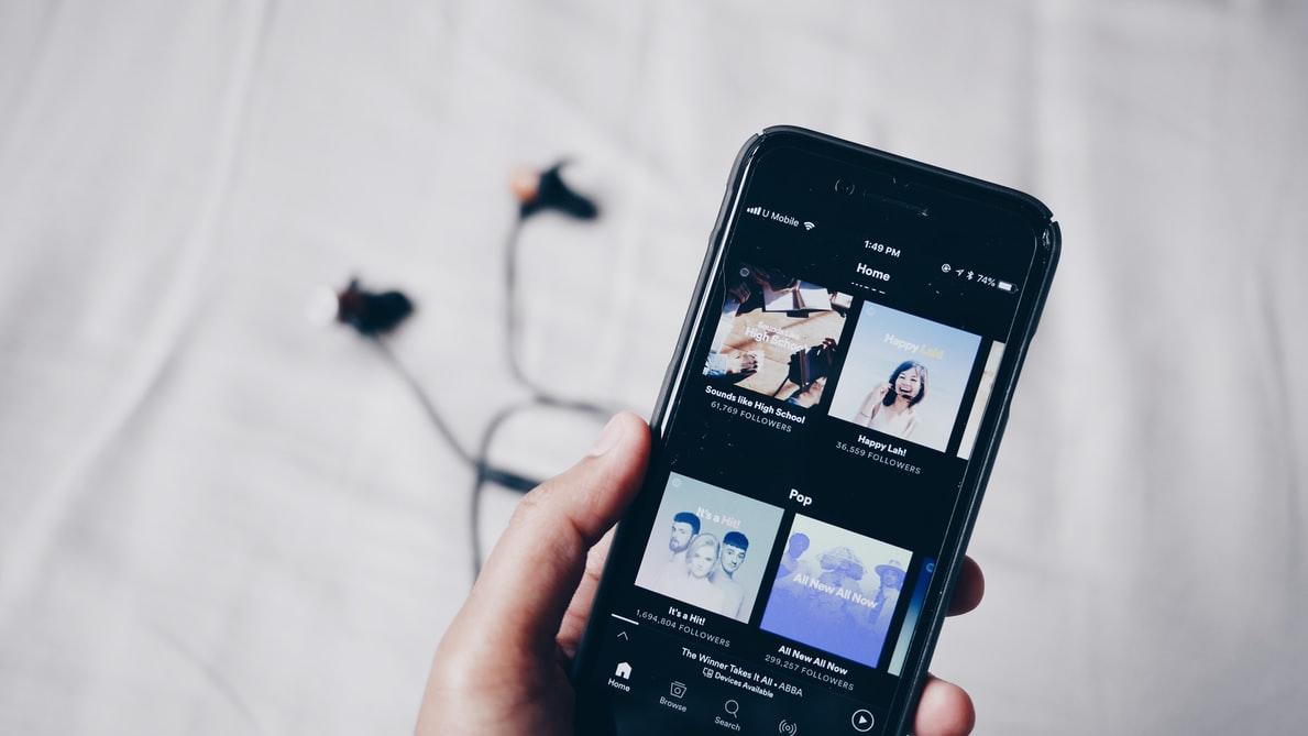 音楽聴き放題アプリを使う3メリット・3デメリットとは?
